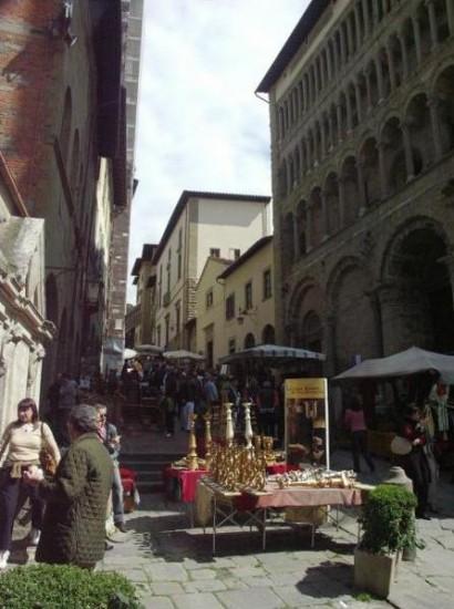 Fiera Antiquaria che si svolge ad Arezzo