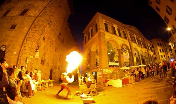 Serata medievale nel centro di Cortona
